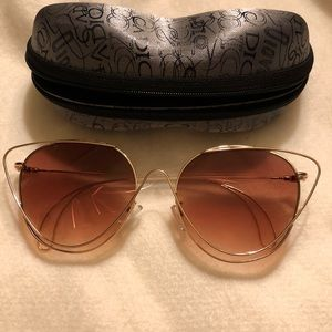 Accessories - Sunglasses with case